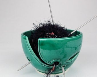 Emerald Green Yarn bowl, leaves Knitting Bowl, Ceramic odorless & clean Yarn holder, Crochet Portable, BlueRoomPottery - READY to SHIP