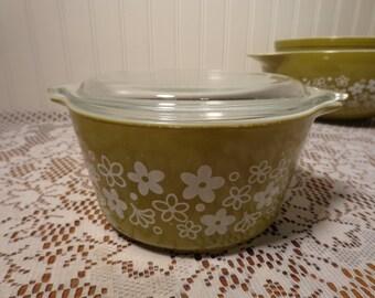 Vintage Pyrex Green Crazy Daisy Casserole with Lid  - 1 Quart  # 473  -  14-0731A