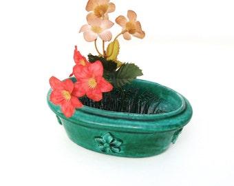 Vintage Green Pottery Vase / Metal Hairpin Flower Frog / Oval Planter / Fleur de Lis decor