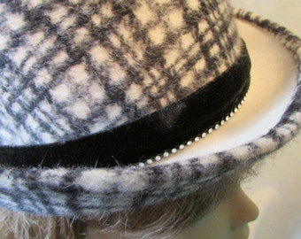 LESLIE JAMES HAT vintage 1950s 1960s Le Havre fur felt made in France black cream Plaid with rhinestones Theater Theatre Costume 5A