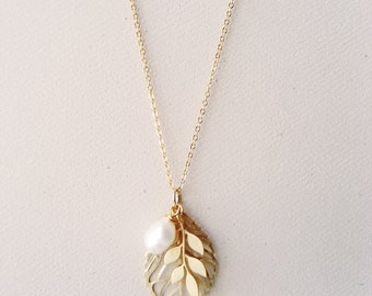 Gold leaf necklace, Branch, Pearl, Woodland wedding, Bridal jewelry, Bridesmaid gift, Autumn, Fall, Simple, Dainty Chain - AUREA