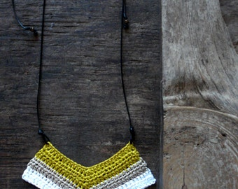 Chevron tribal crochet pendant//geometric pendant//contemporary jewelry//crochet pendant//crochet jewelry