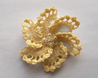 yellow crochet brooch, yellow handmade crochet brooch, handmade ,pin,accessory,corsage,mother of the bride groom, wedding accessories.