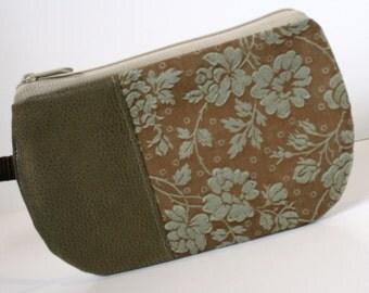 Floral Fabric Wristlet, SmartPhone Wristlet, Zippered Wristlet, IPhone Wristlet