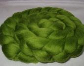 LEAF GREEN, Merino wool roving, super soft, 20 micron, spinning fiber, felting wool, dreads, dolls hair, wet/nuno/needle felting wool, 3.5oz