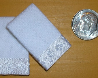 Free US Shipping! Set of 2 Miniature Dollhouse White Bath Towels #7013 with White Satin Trim 1:12 Scale