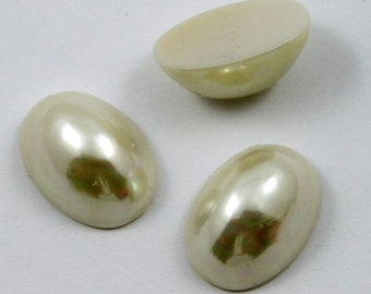 14mm x 20mm Cream Pearl High Dome Oval Cabochon (2 Pcs) #549