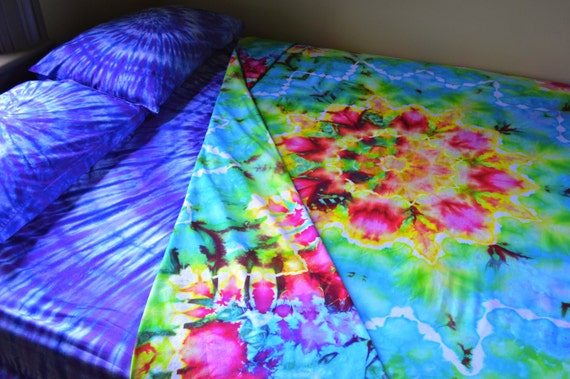 Hand Dyed Queen Sheet Set Retro Tie Dye Colors Psychedelic