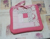 Quilted Little Case, log cabin patchwork quilt block, sewing case, clutch, pouch, pink, bridal accessory