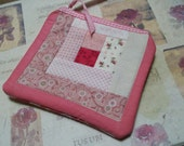 Quilted Little Case, log cabin patchwork quilt block, sewing case, clutch, pouch, pink, bridal accessory, cosmetic bag