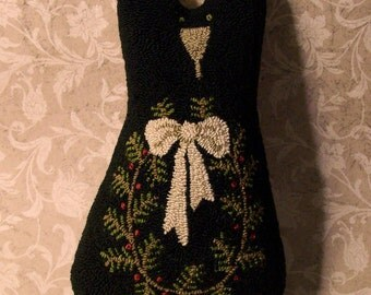 Primitive Needle Punch PATTERN Black Cat And Winter Wreath