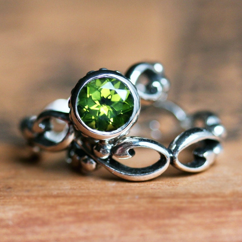 peridot engagement ring set august birthstone ring ethical. Black Bedroom Furniture Sets. Home Design Ideas