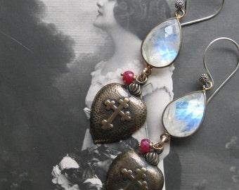 flaming hearts . earrings