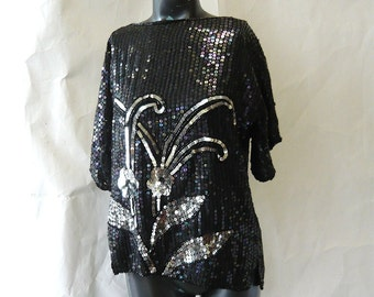 Vintage Sequin Top 80s / DISCO GLAM Metallic Black Silver / size 4 6 8 small / Short Sleeve Evening Blouse Shirt Shell
