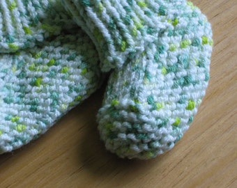 Seamless Stay-Put Baby Booties knitting pattern (pdf digital download)