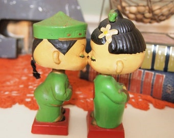 Free Shipping Kissing Asian Bobble Head Dolls Couple Wedding Green Made in Japan International DOLL