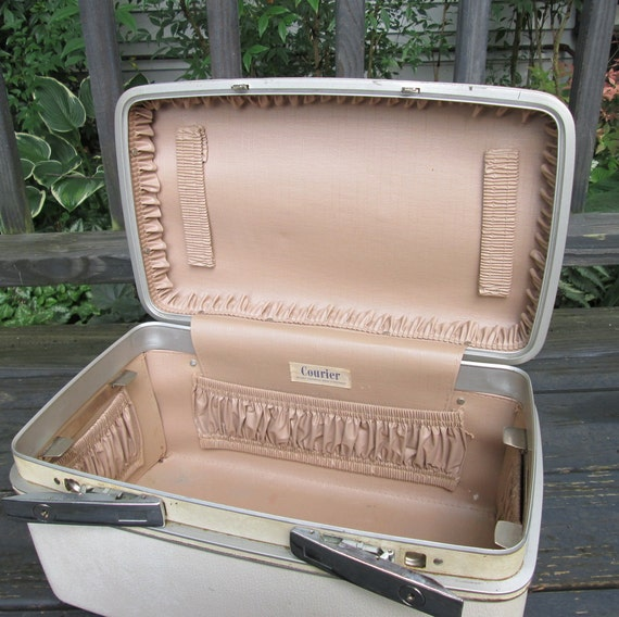 Vintage Luggage - Cream Train Case - Sears Roebuck