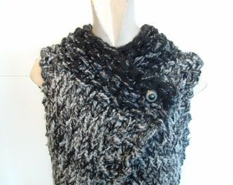 Chunky knit hip length sleeveless vest  for medium large women in neutral grey and black