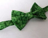 Medium Boys  Bow Tie - bowtie - Kelly Green - Irish - St. Patrick's Day - Geek Doctor Who - Adult - Mens