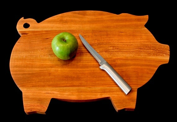 Personalized Christmas Gifts Cutting Board, Pig Cutting Board, Foodie Gift, Engraved Cutting Board, Housewarming gift, Wedding gift