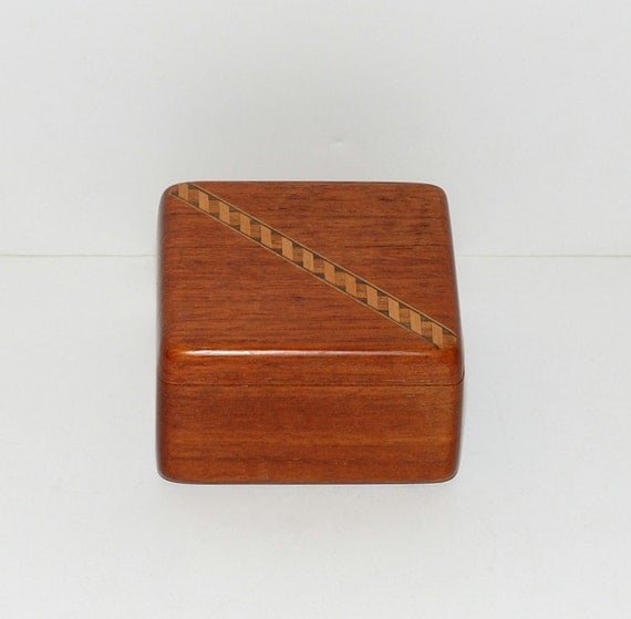Solid teak wood jewelry box for Solid wood jewelry chest