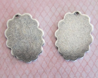 NEW 2 Silver Small Scallop Charms 3162