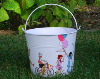 Children on Parade White Enamel Jr. Bucket