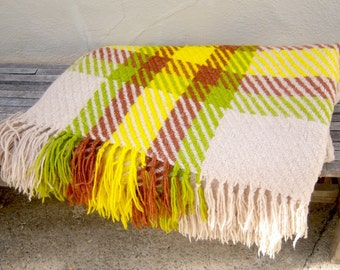 70s camp blanket / PLAID lime green yellow / ITALY wool, stadium lap picnic blanket / mod cabin decor 55x66