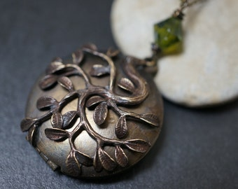 Walnut Tone Vintage Simple Plain Organic Round Locket With Soft Vines Necklace - 1 piece