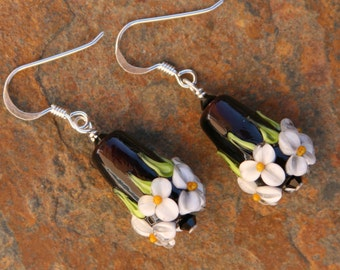 Black and White Floral Garden Cone Flowers Lampwork DeSIGNeR EaRrings Spring Time Garden Daisies Morning Glories
