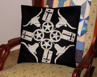 LONGHORN Quilted Pillow Cover from Quilts by Elena Silhouette Applique