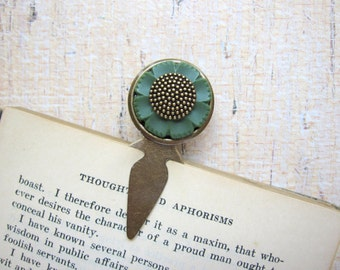 Flower Bookmark, Button Bookmark, Forest Green, Woodland Flower, Floral, For Her, Vintage Button, Metal, Book Lover Gift,  Stocking Stuffer