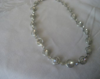 VINTAGE Rhinestone in Silver Metal Costume Jewelry Necklace