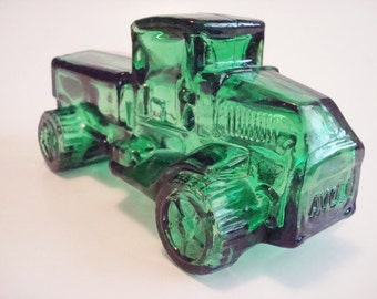 Vintage Avon Big Mack Oland Green Truck Glass Bottle After Shave Collectible