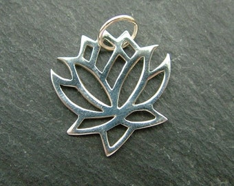 Sterling Silver Lotus Flower Pendant 14mm (CG6541a)