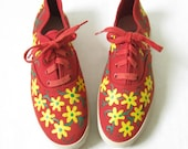 Vintage 80s Red Floral Lace Up Sneakers. Size 5/ 6