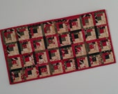 Quilted Log Cabin Table Runner - Wintergreen (XTRH)