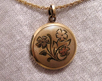 Vintage Gold Vermeil Locket with Etched Flowers with 18 Inch Chain (J79)