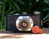 Antique Argus A 35mm Art Deco Style Camera with Lens Cap 1936-41