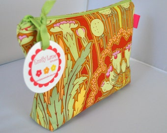Simple Pouch, Cosmetic Bag in Amy Butler Fuchsia Tree Carmin