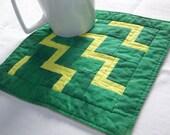 Mug Rug Coaster or Mini Quilt Courthouse Steps