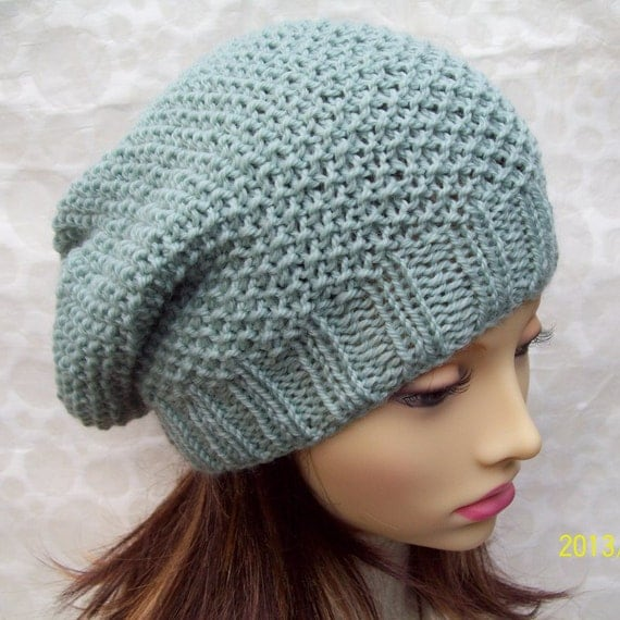 Simple Hat Knitting Pattern In The Round : KNITTING PATTERN / ROXANNE Womans Slouchy Beanie Hat/Slouch