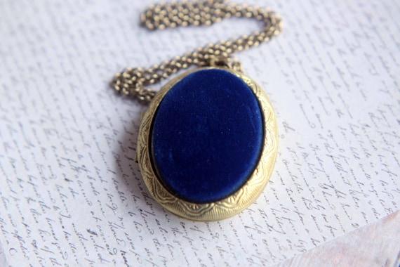 Locket Blue Velvet, Deep Midnight Blue,  Luxe Gold Brass, Gothic, Victorian, Keepsake, Heirloom, Gift Box