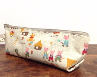 Slim pencil case or brush holder - linen three little pigs