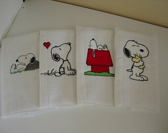 Set of 4 Snoopy burp cloths