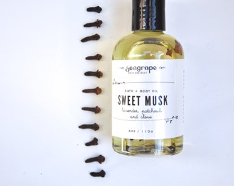 Sweet Musk... Sensual Massage Oil ( Lavender, Clove and Patchouli ) 8oz