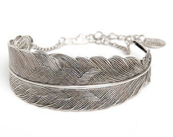 Feather Bracelet Woman Gift/ Special gift/ Silver bracelet/ Elegant style/ Unique bracelet/ Handmade/ Made in France/Fashionable bracelet