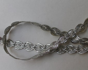 3 yds Vintage Silver Trim Ric Rac Scalloped trim Supply Metallic by Lurex
