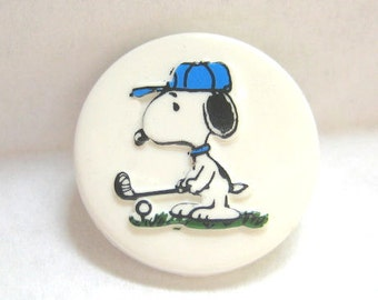 Snoopy Playing Golf Plastic Sewing Button Peanuts Gang Charles Schulz Cartoon / Comic