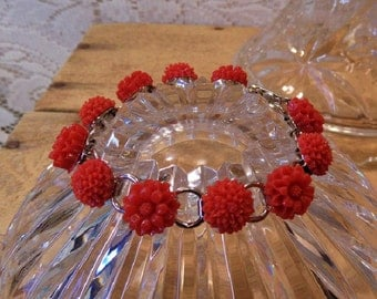 Link Bracelet Flower link bracelet Red dahlia and mum resin flowers red flower bracelet